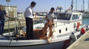 Pesca: sequestrati nel Tirreno da Guardia costiera due km di reti illegali
