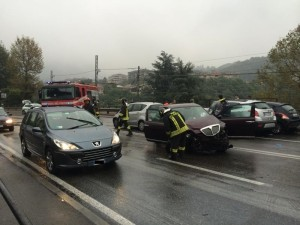 incidente tra 4 auto