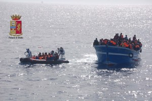 migranti soccorsi messina