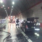 auto in fiamme (4)