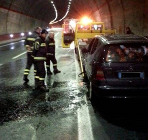 auto in fiamme (7)
