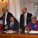 messina-firma-patto-renzi-accorinti-1