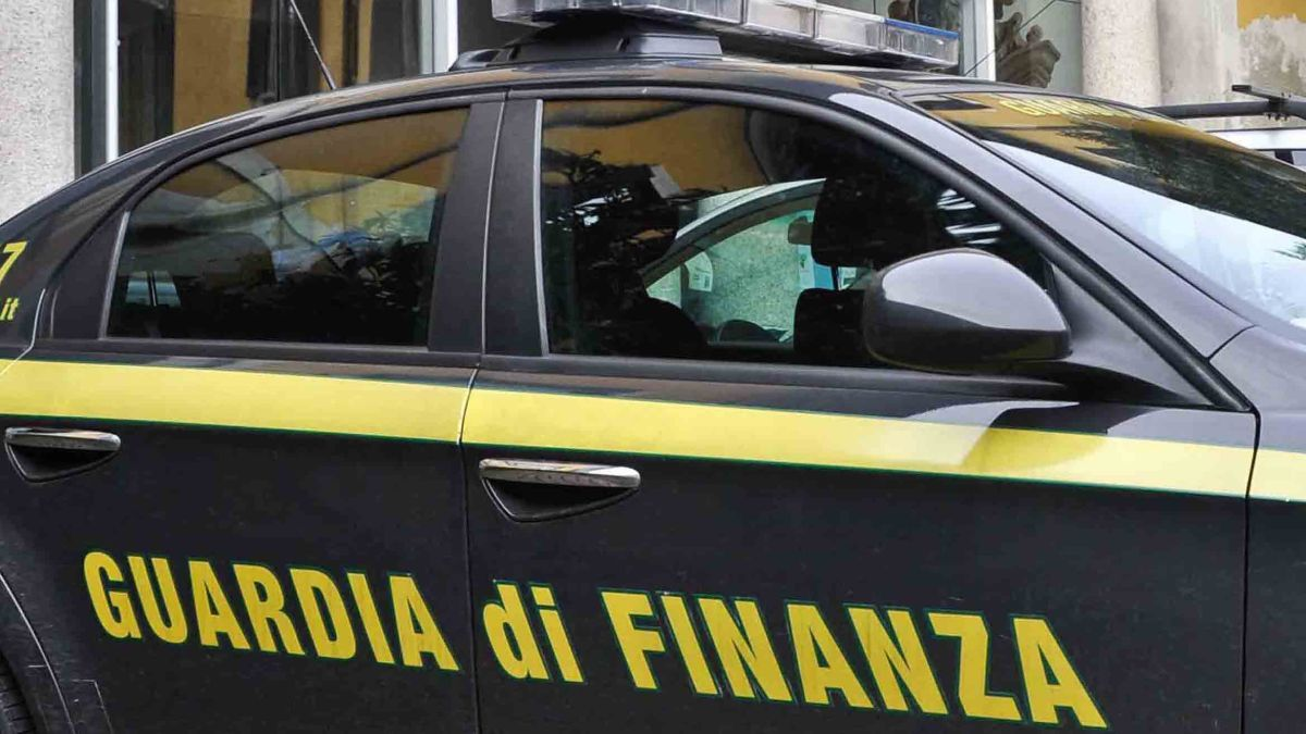 "Catanzaro: operazione ""Buitre Malo"", sequestrato arsenale - Stretto web"
