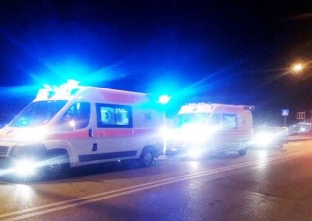 incidente stradale notte ambulanze